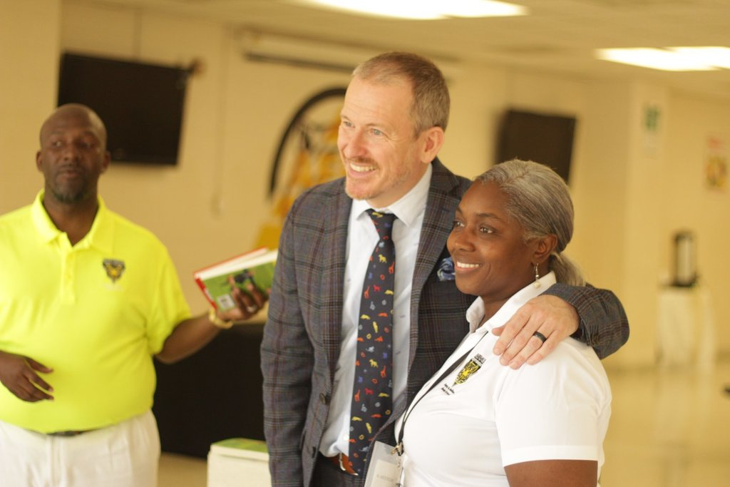Ron Clark posing for photo with Allendale-Fairfax High CATE Director Mona Lisa Anderson